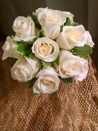 Med.-Rose-bouquet-min